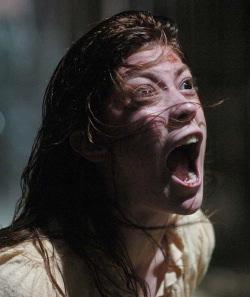 Una scena del film The exorcism of Emily Rose tratto da un fatto giudiziario vero
