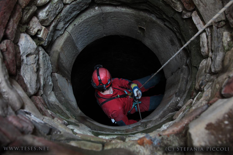 Esplorazione di un pozzo